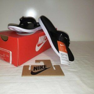 Nike Women's Flip Flops Sandals Size9 New in Box!